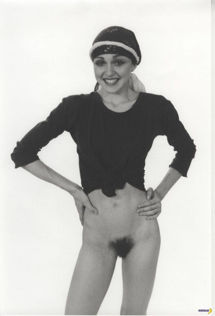 На аукцион выставили голую 18-летнюю Мадонну