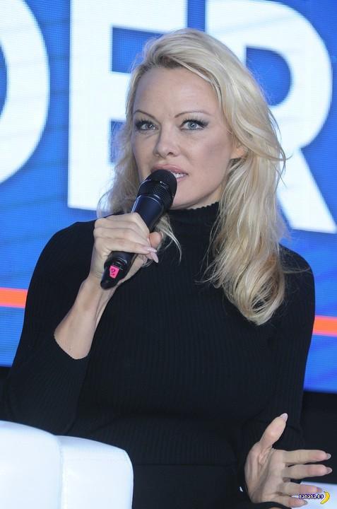 Памела Андерсон в Варшаве
