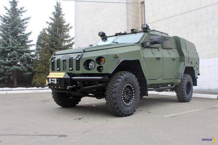 Украинцы показали бронеавтомобиль Варта-Новатор