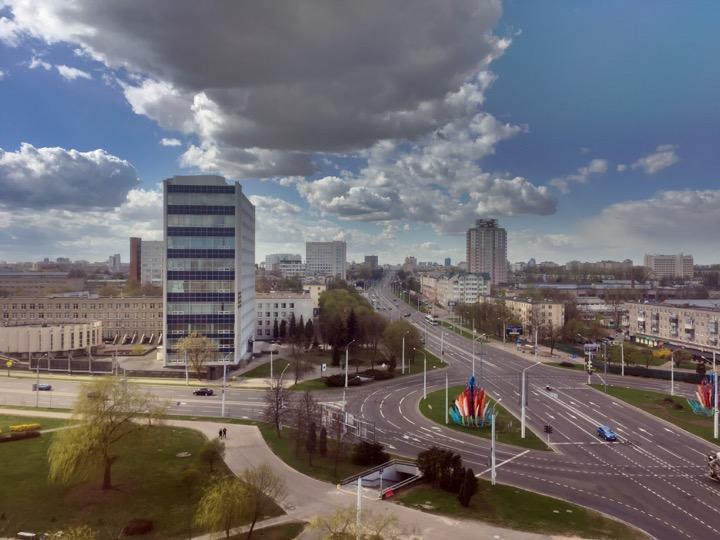 Погода: в Беларусь завезли грозы! ⛈
