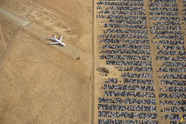Грандиозное кладбище в песках пустыни