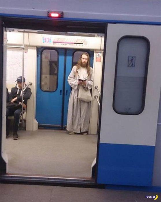 Странные обитатели метро