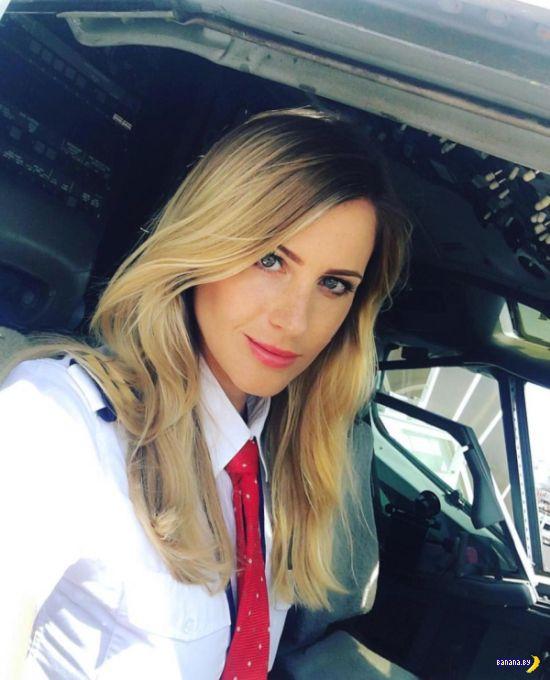 Сексуальная шведская пилотесса Сара Йоханссон