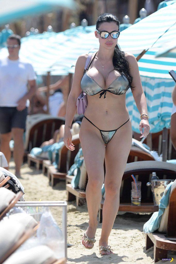 Алетта Оушен на пляже