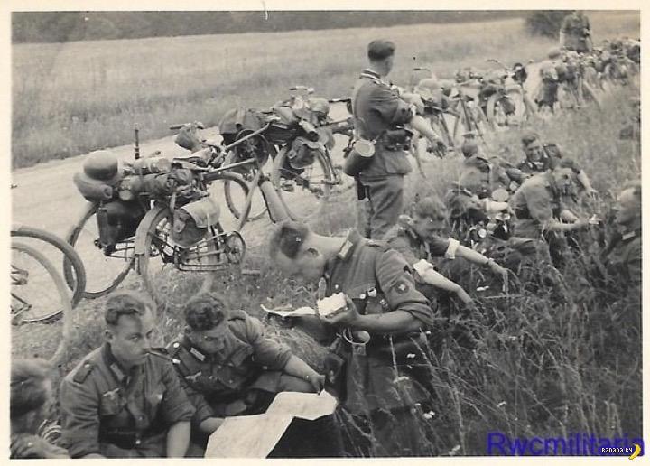Нацисты-велосипедисты