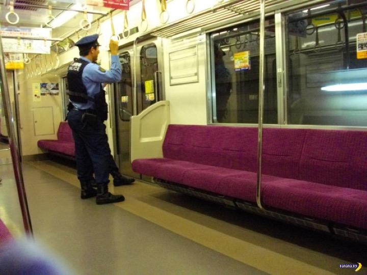 В Токио целая линия метро остановилась на один час