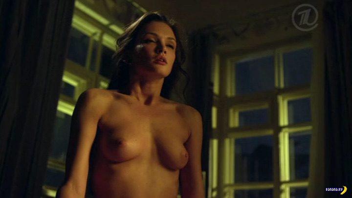 Сексуальная Паулина Андреева: одетая, полураздетая, голая