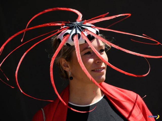 Самые странные шляпки на скачках в Аскоте