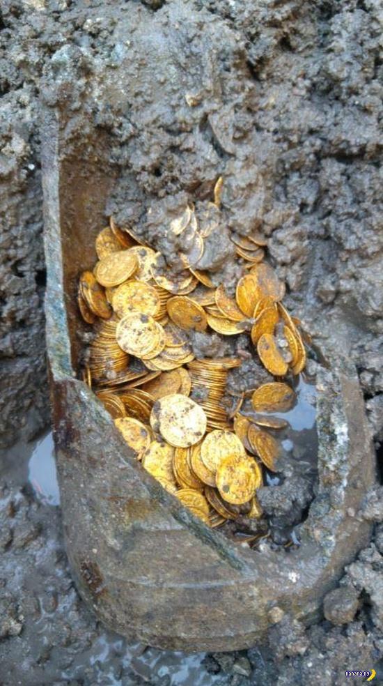 Фантастический клад римских золотых монет