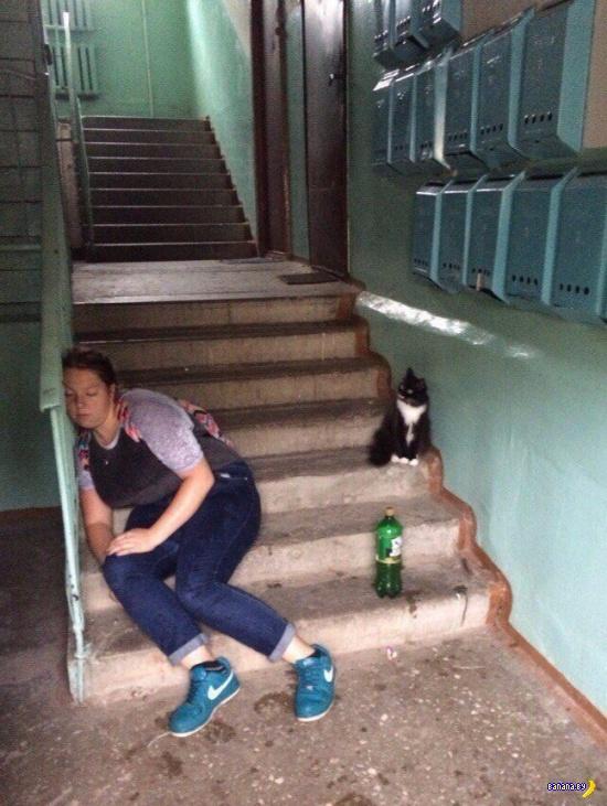 Места для тусовок: лестница в подъезде, общий балкон