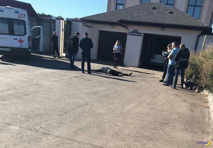 Зарезал двух грабителей в своём же доме