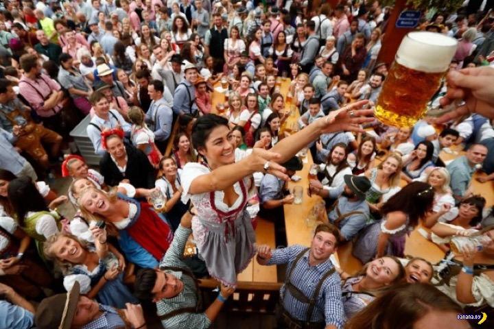 Фотографии с открытия Октоберфеста