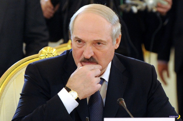 Лукашенко приказал вернуть ночной алкоголь в Минск