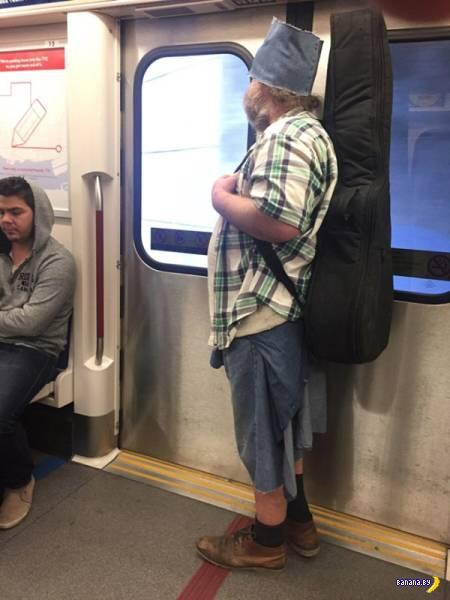 Модники в метро - 11 - Фрики со всего мира!
