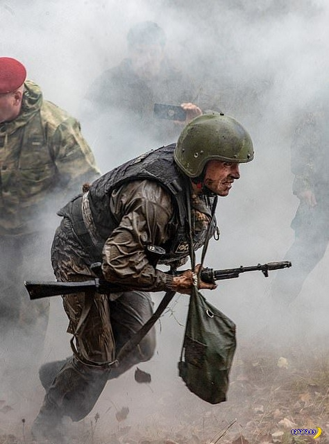 Суровые мужчины из ФСИН боролись за краповые береты