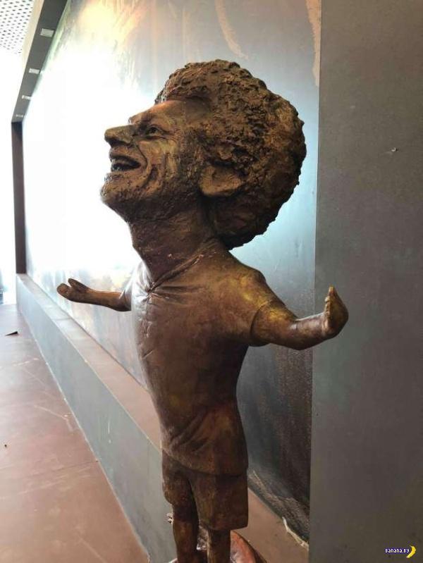 В Египте открыли статую футболисту Мохаммеду Салаху
