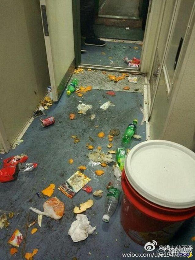 Как китайцы мусорят в поездах