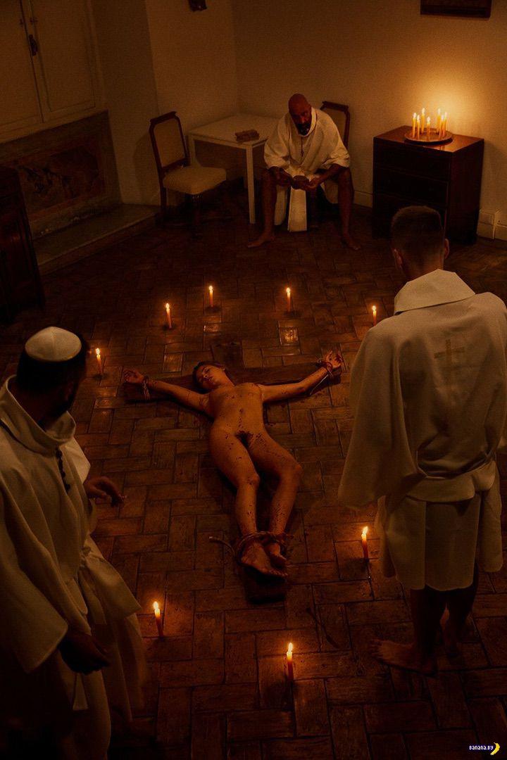 Мариса Папен снова голая – теперь в Риме!