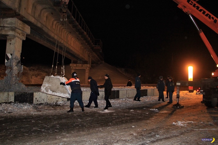 Диверсанты подорвали в ДНР железнодорожный мост