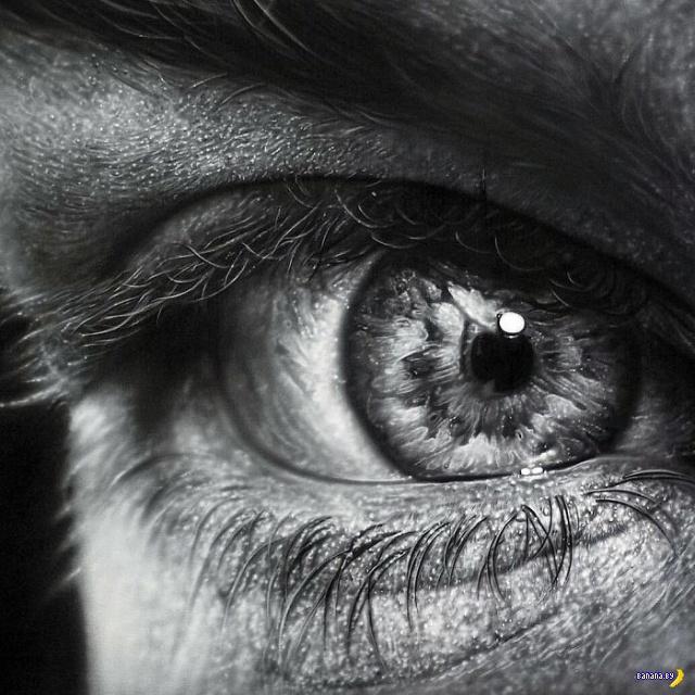 Рисует Kamalky Laureano