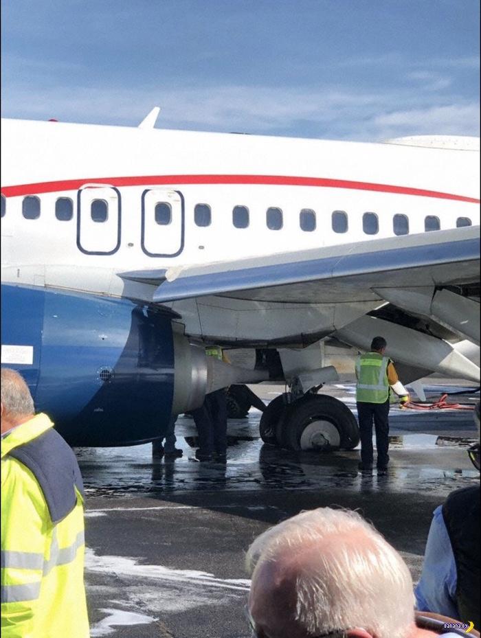 Колёса самолета стёрлись во время посадки