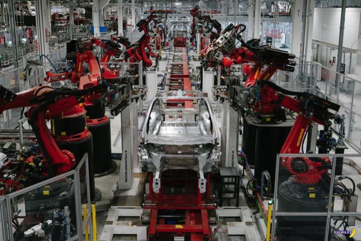 Tesla сокращает 7% работников