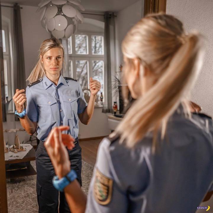 Самую красивую немецкую полицайку бросил ухажер