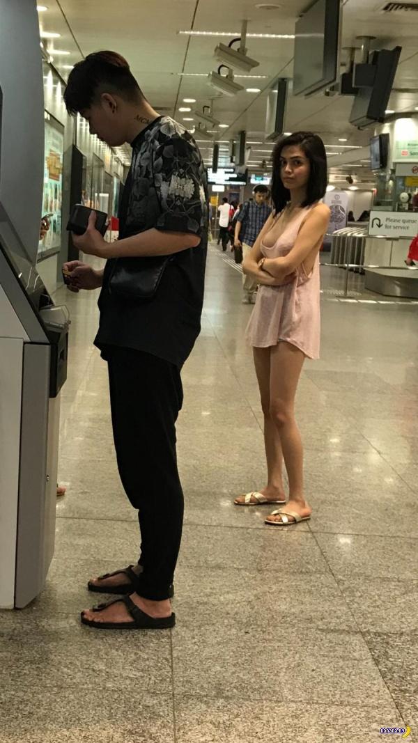 Её платье или его майка?