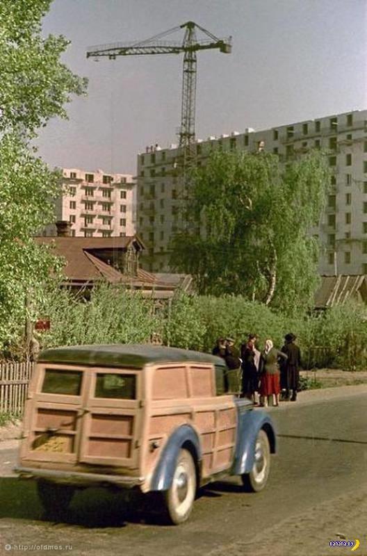 Деревянный Москвич-400