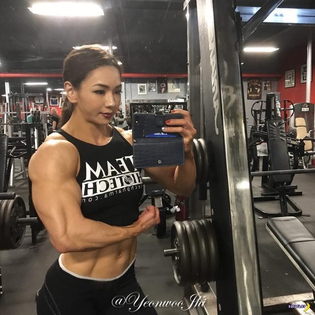 Чжи Ён У –мускулистая Барби из Южной Кореи