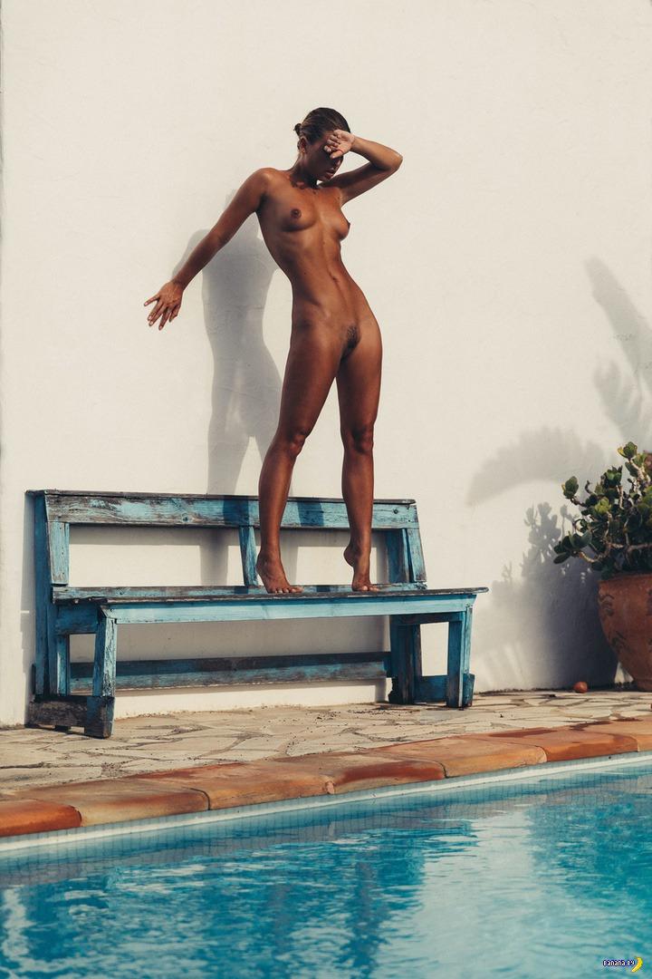 Мариса Папен снова голая – теперь на Ибице!