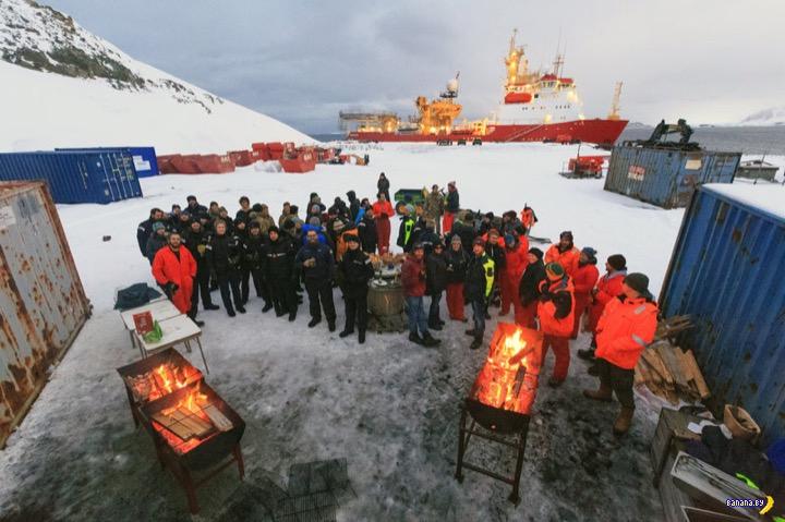 Как кормят британских ученых в Антарктике