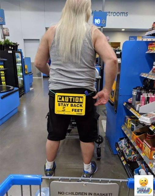 Яркие модники из Walmart - 20