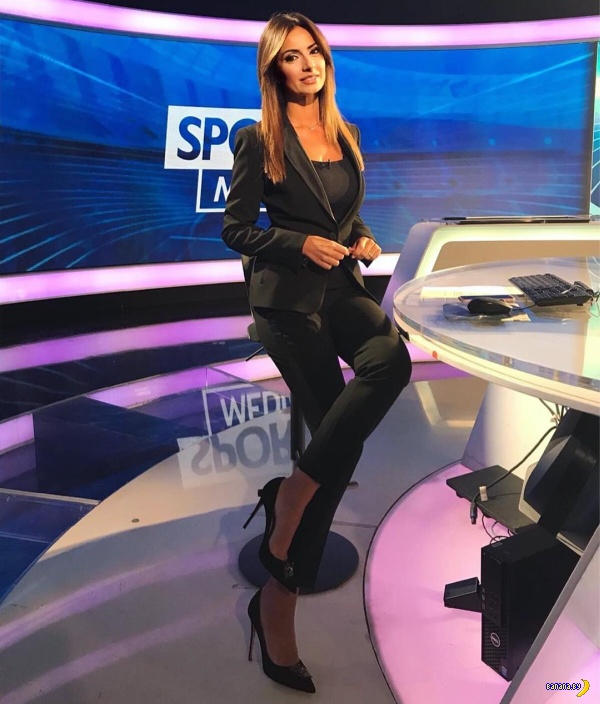 Итальянская телеведущая Моника Бертини