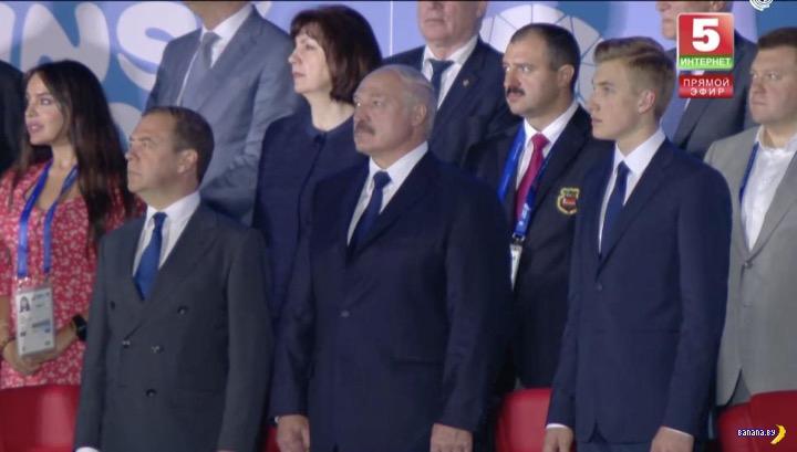 Николай Лукашенко продолжает стремительно расти