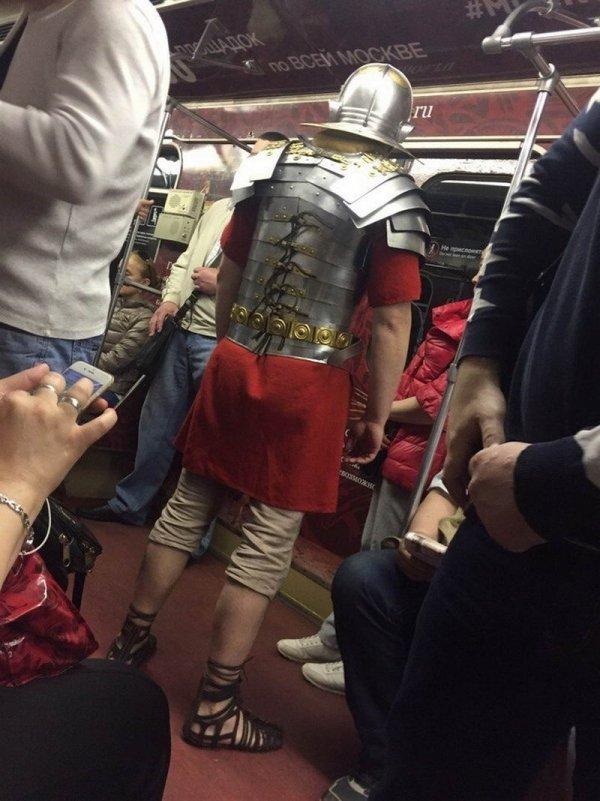Модники в метро - 24