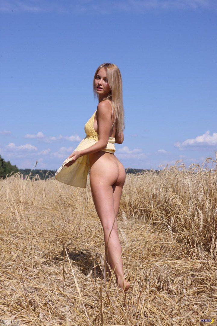 Наталья Андреева голая в полях!