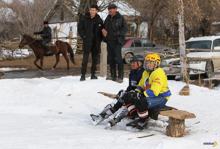 Первая женская хоккейная команда в Кыргызстане