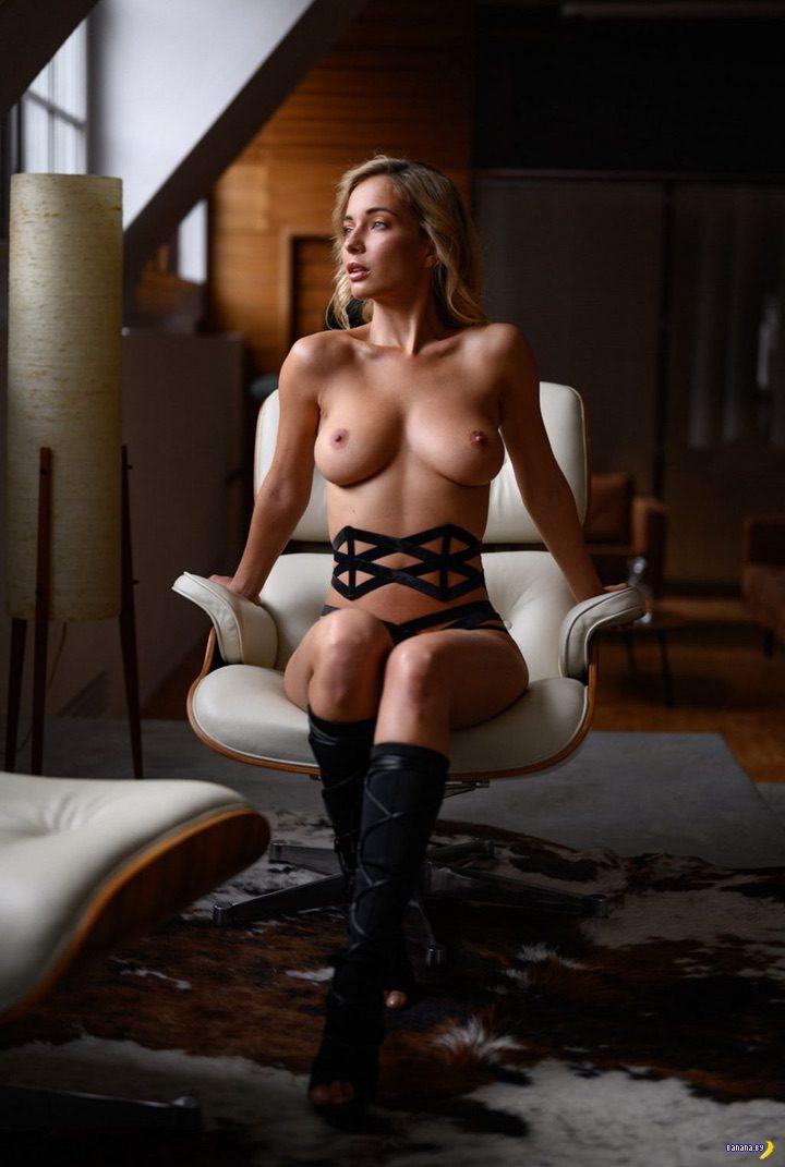 Наталья Андреева голая в квартире!