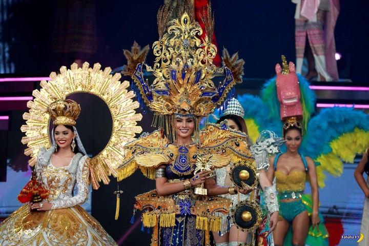 Конкурс красоты среди трансов прошел в Таиланде