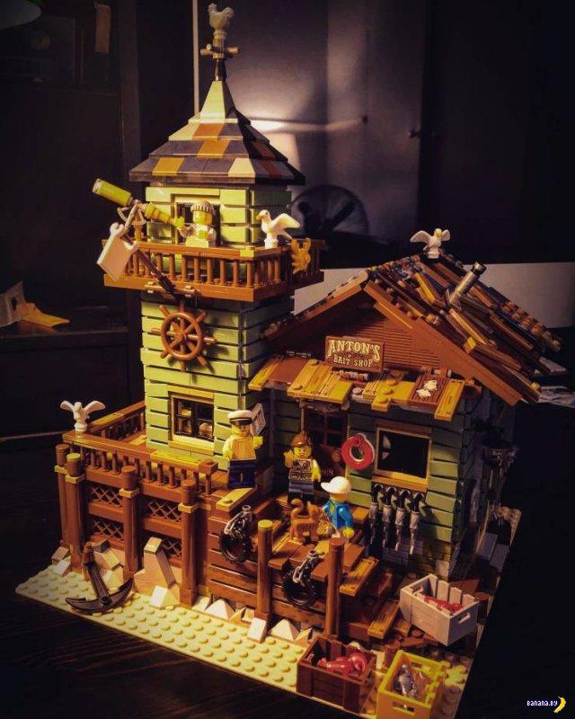Всё это сделано из LEGO