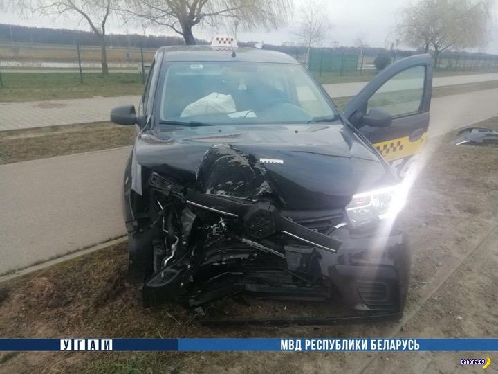 Бухой таксист в Бресте разбил машину с пассажирами