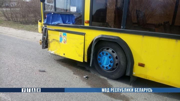 Автобус МАЗ против Porsche Cayenne