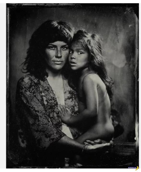 Древнее фото, современные люди