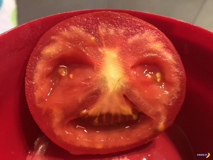 При помощи FaceApp выпустили из помидора демона!