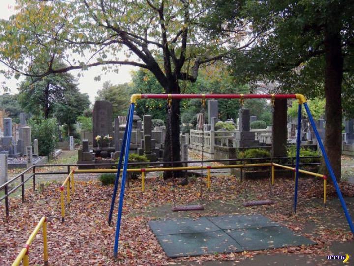 Страшные детские площадки