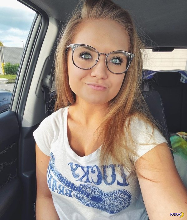 Красивые девушки в очках - 4