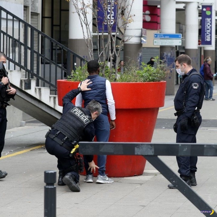 В Париже активно грабят парижан
