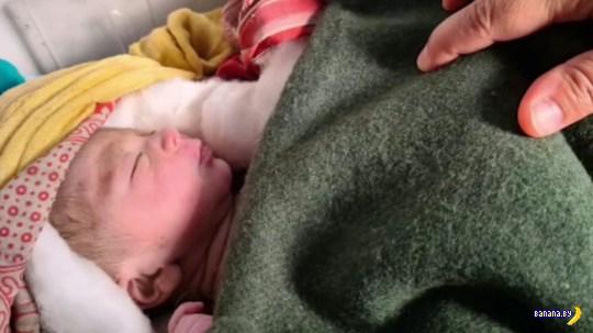 В Индии заживо похоронили новорожденного