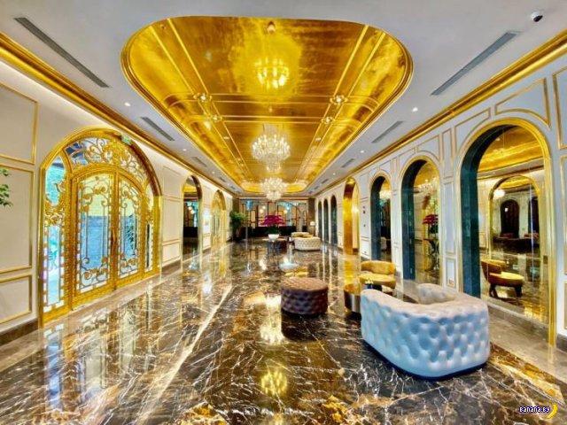 Золотой отель во Вьетнаме